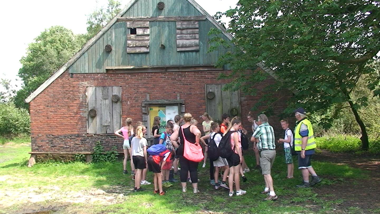 Groep:8 van de G.M.School uit Nieuw-Schoonebeek op Vrijdag 3 Juni 2016 i.s.m Hist,Ver,Nei-Schoonebeek naar het Bargerveen.